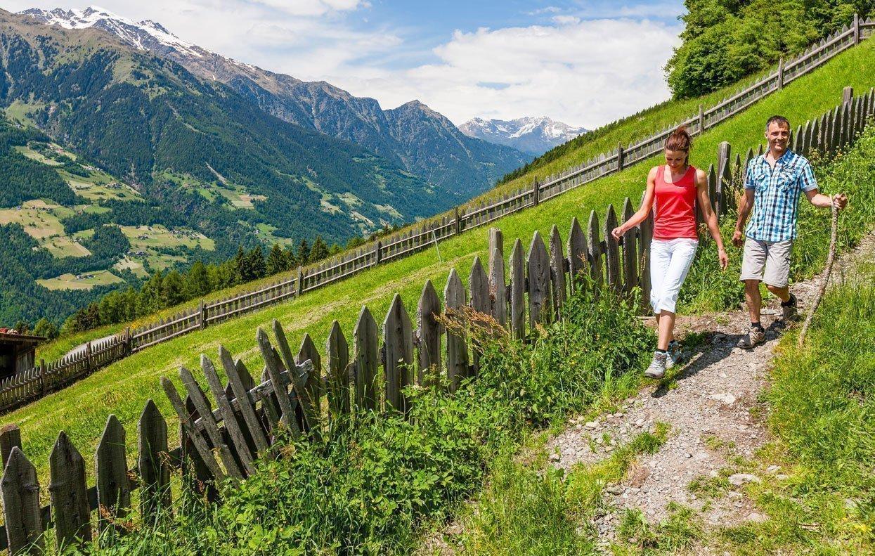 I sentieri delle rogge vicino a Scena: escursioni lungo corsi d'acqua nella regione Burgraviato